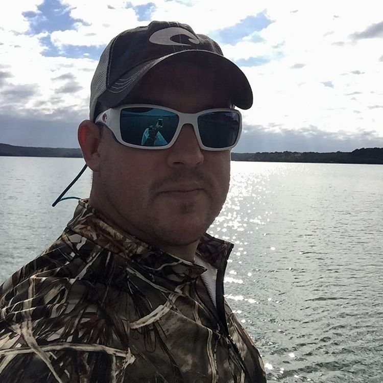 Christmas weekend in texas out doing some bass fishing on for Medina lake fishing