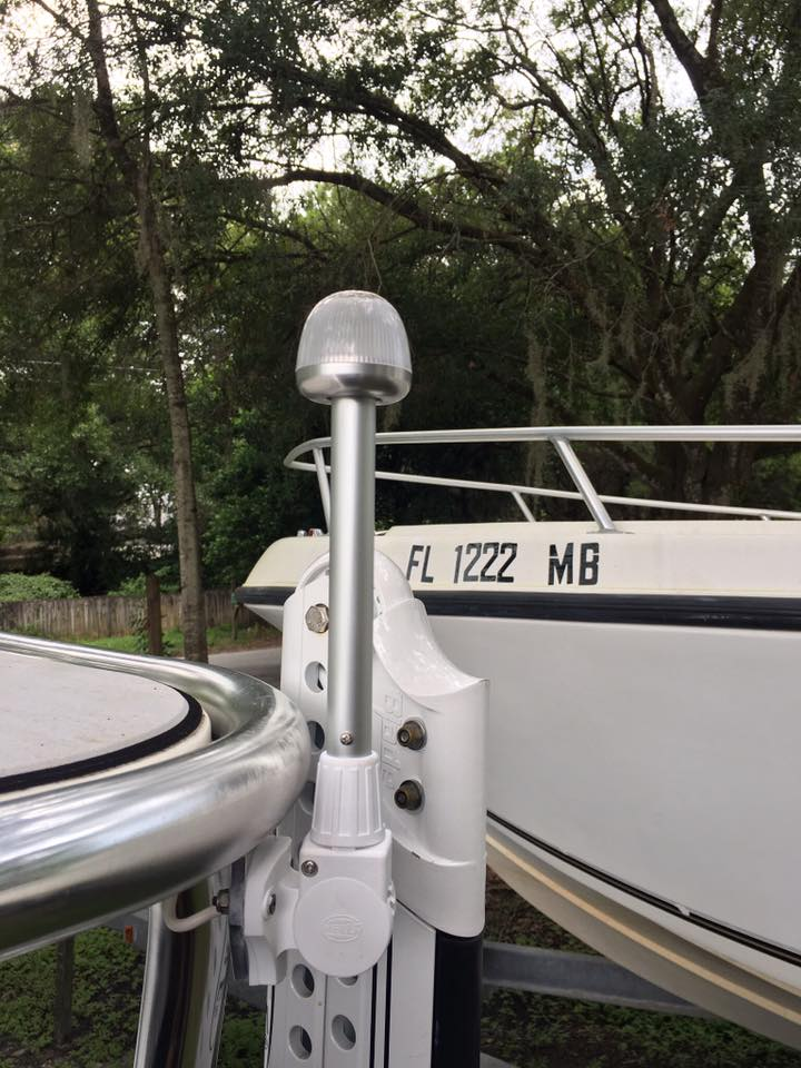 maverick-skiff-flats-boat-stern-light