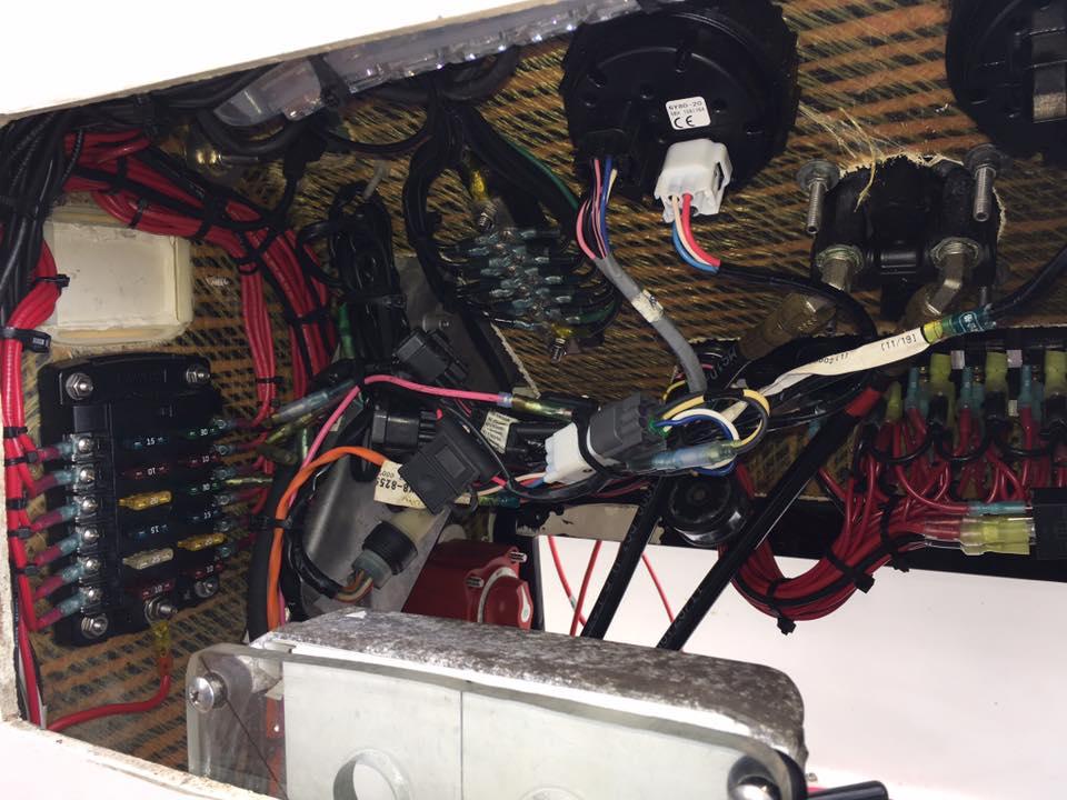 maverick-skiff-flats-boat-wiring