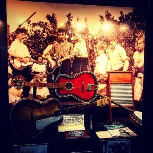 "The boyhood of the Beatles. ""The Quarry Men"" このバンド、ビートルズのメンバー以外で再結成して活動中。聴きたい。  …"