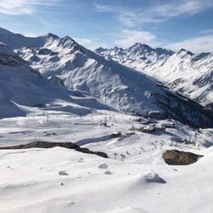 Het skiseizoen van Ischgl is van start gegaan. De pistes liggen er heerlijk bij,…