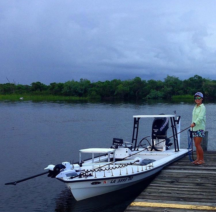 @kneedeeptheskiff in the marsh dodging storms!